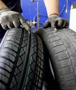 Si observas en tus ruedas que el dibujo está dibujo desgastado, tiene deformidades, desgaste asimétrico o fugas de presi...